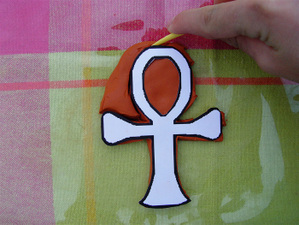Tracing_cutting_the_ankh
